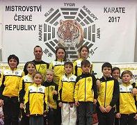 Výprava Karate Panthers Český Krumlov na Mistrovství České republiky v Karlových Varech.