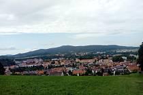 Ludmila Mrázková se vypravila na výlet na Křížovou horu po křížové cestě, navštívila nahoře kapli a pokochala se výhledem na město Český Krumlov.