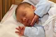 Padesát centimetrů a 3 170 gramů. Takové byly porodní míry Vítka Tanáče, jenž spatřil světlo světa 16. října 2018 ve 14:07 hodin. Kapličtí Barbora Langová a Pavel Tanáč byli u narození svého prvního potomka společně.