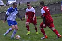 OP muži – 17. kolo: Sokol Křemže (červené dresy) – FC Lipno 2:2 (2:1) na penalty 1:4.