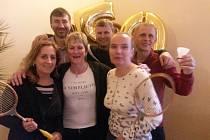Družstvo krumlovských veteránů při oslavách padesátin klubu z Králova Dvora.