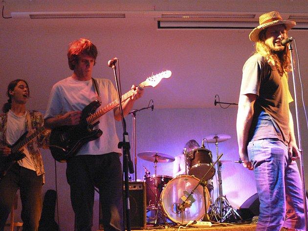 Na festivalu vystoupila také kapela Sichrhajs.