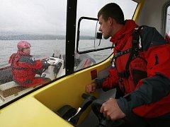 Nový člun českokrumlovských vodních záchranářů nese od soboty, kdy jej slavnostně pokřtili, jméno Vltavice.