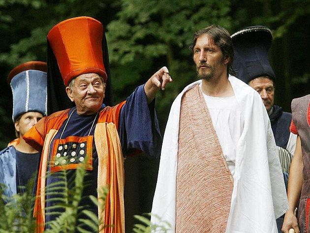 Členové hořické pašijové společnosti předvedou svoje umění vČeském Krumlově, tentokrát o Velikonocích.