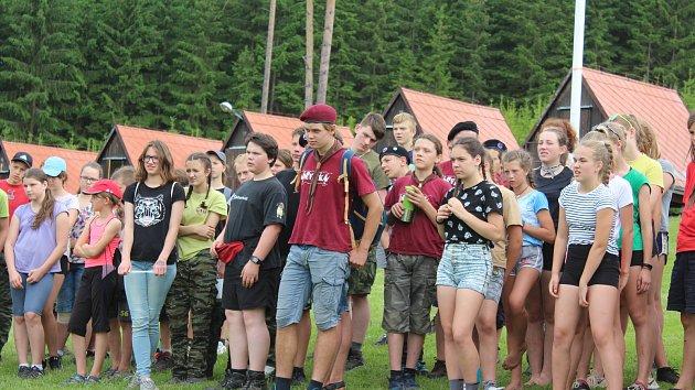 Skauti z celých jižních Čech zápolí ve Svojsíkově závodu na Lipensku