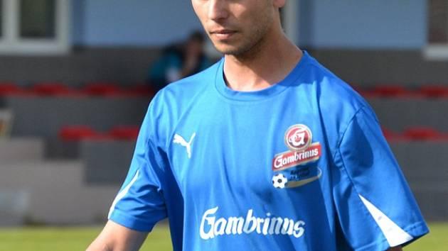 Frymburský Stanislav Budík přišel na hřiště až v závěru derby, vzápětí neproměnil penaltu, ale vše si vynahradil v 88. minutě, kdy dal vítězný gól.