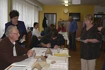 Volby v Kaplici na sídlišti 1. máje.