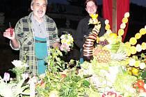 Záměčtí zahradníci připravili tabuli na Eleonořině filmové slavnosti.