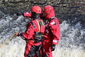Kurz vodní záchrany pro strážníky