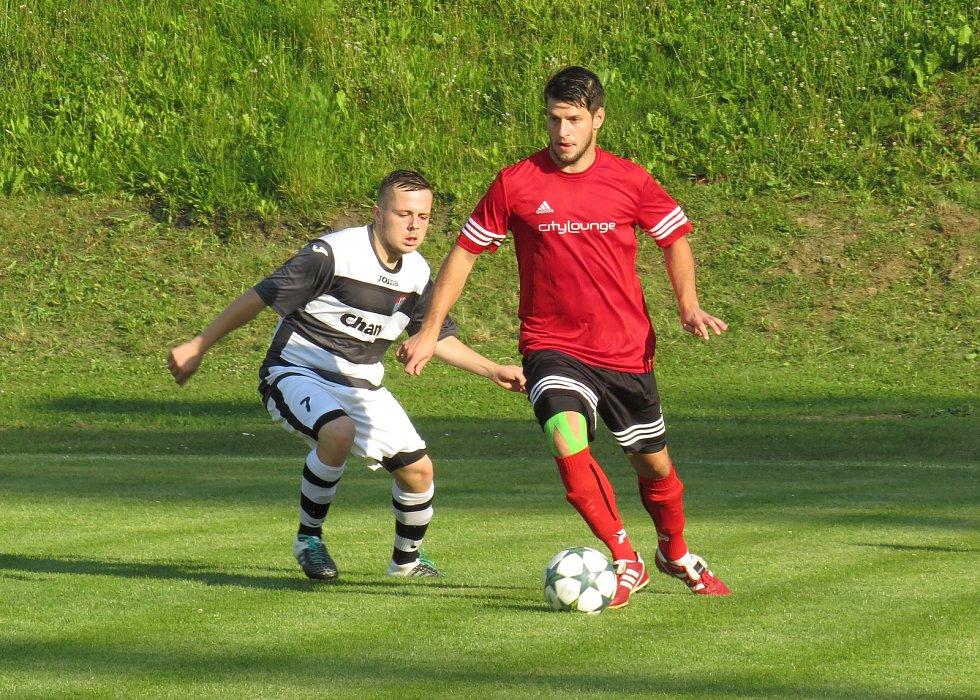 Fotbalová příprava: SK Větřní (červené dresy) – Spartak Kaplice 6:7 (3:3).