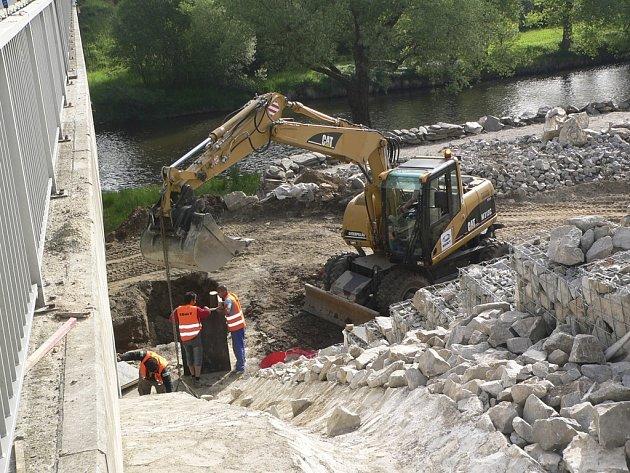 Rekonstrukce silnice v Rájově.