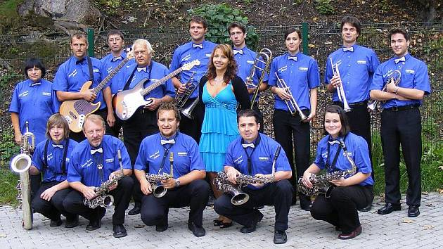 Swing Band Agria má základnu v Kaplici. Je ale složená z muzikantů z celých jižních Čech.