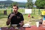 Michal Novák z hotelu Na Pláži z Horní Plané na Lipensku přiblížil, jak kompostují nádobí z bistra a kuchyňské zbytky.