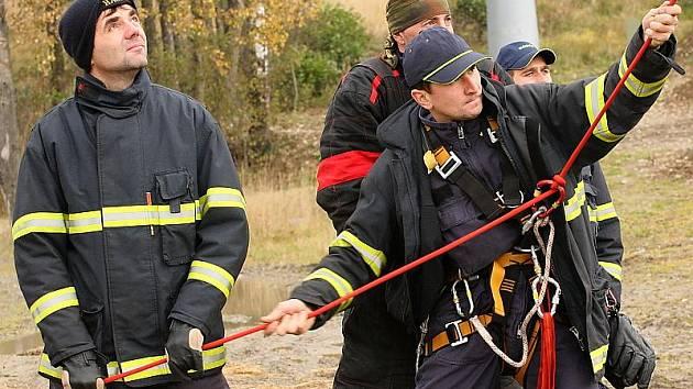 Nácvik evakuace osob.