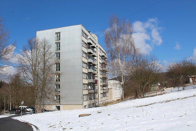 Ve dvou ubytovnách ve Větřní nově příchozí nájemníci nebudou mít nárok na doplatek na bydlení.