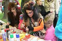 Děti ze ZUŠ předvedou svůj um v rámci festivalu v Pivovarské zahradě. Navštívit můžete ale i zahradu Kouzelné bylinky.