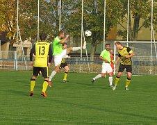 TJ Dříteň (zelené dresy) - FK Spartak Kaplice 3:5 (1:2).