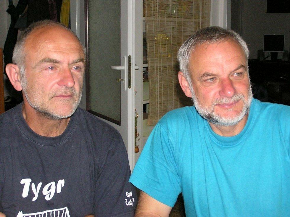 Petr Resch (vpravo) s Václavem Dolanským, se kterým během 25 let obešli hranice celé Československé republiky.