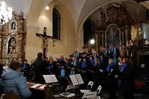 Koncert smíšeného pěveckého sboru Musica Viva v hornoplánském kostele.
