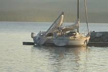 Na Lipně se srazily dvě jachty.