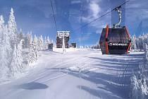 Ladovská zima na Hochfichtu pohledem z nové kabinkové lanovky.