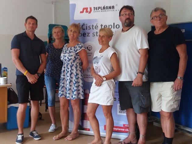 Realizační tým Geomedu po závěrečném měření. Tomáš Kosík, Brigita Janečková, Hana Kalová, Zuzana Liptáková, Přemek Kabourek, Petr Petr.