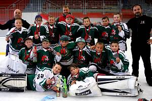 Čtvrťáci českokrumlovského Slavoje vyhráli hokejový memoriál v Chrudimi.