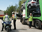 Čeští a rakouští policisté kontrolovali kamiony.