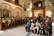 Na Mezinárodním hudebním festivalu v Českém Krumlově zněly písně spjaté s Otcem vlasti v podání souboru Schola Gregoriana Pragensis.