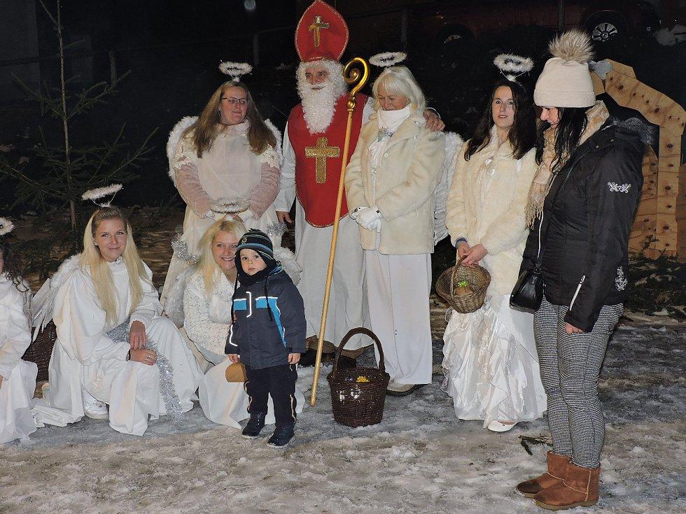 V Rožmberku nad Vltavou měli mikulášskou veselici už o první adventní neděli.