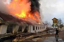 Požár pily v Brloze.