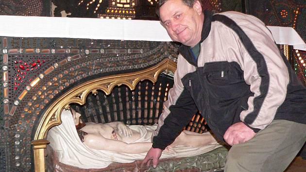Boží hrob se v Kaplici po letech rozzářil.