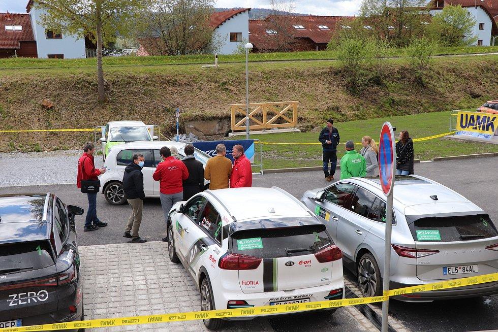 V Českém Krumlově se konala Czech New Energies Rallye určené výhradně pro vozidla s elektrickým motorem. Na Rallye Český Krumlov Revival pak vyrazily historické vozy vyrobené do roku 1990.