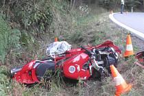 Nehoda motorkáře u Loučovic.