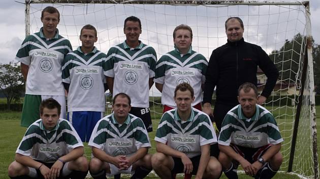 Posílený tým Rafandy Kaplice – vítěz turnaje. Nahoře zleva: Petřík, Kolek, Sedlák, Pexa a Klabouch, dole zleva: Krenauer, Růžička, Bordáč a Ginzel.