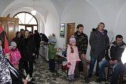 Jarmárek svým vystoupením zahájili žáci benešovského pracoviště ZUŠ Trhové Sviny.