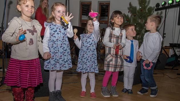 Vánoční koncert dětí ve Křemži.