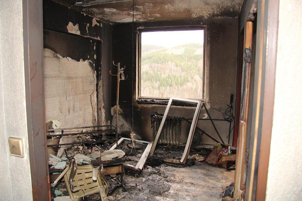 Muž zapálil dům zřejmě ze žárlivosti.