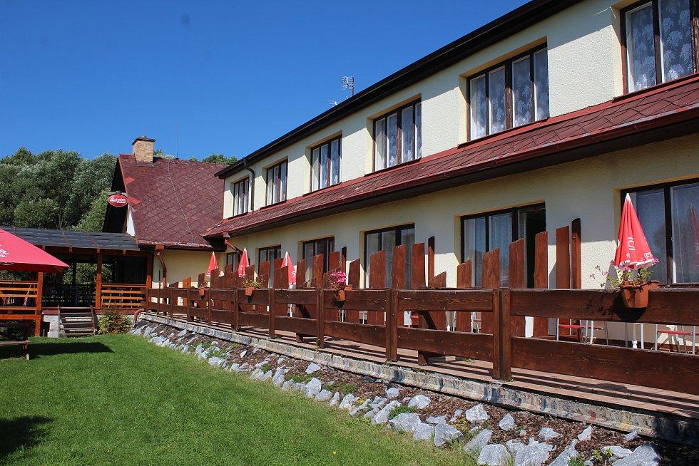 Restaurace a penzion U Kukačků v Pihlově u Horní Plané.