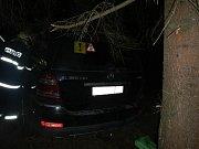 Osobní automobil havaroval v Chabičovicích.