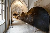 Do českokrumlovského kláštera se vrátily zrestaurované lunety.