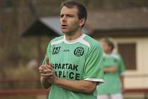Málo vídaný kousek se v derby povedl kaplickému útočníkovi Petru Janurovi (na snímku), který během sedmi minut krátce po změně stran zaznamenal čtyři branky.