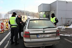Kontroly na rakouské hranici za Dolním Dvořištěm.