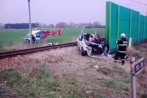 V Holkově na Českokrumlovsku střetl nákladní vlak s osobním automobilem.