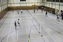 Kurty krumlovské haly zažijí dnes vrcholný badminton v podání nejlepších družstev extraligy.