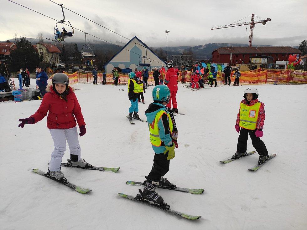 Předvánoční lyžovačka na Lipně.