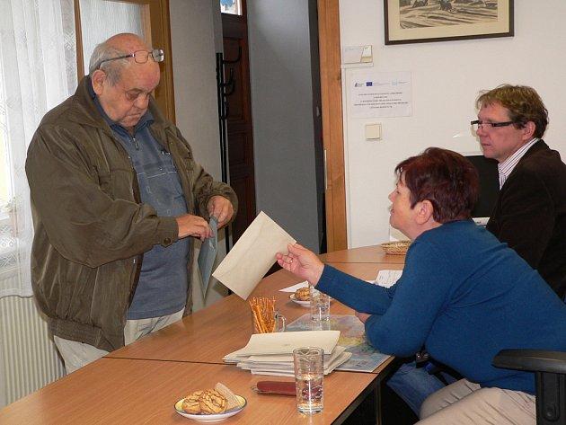 Třetí komunální volby v Přední Výtoni.