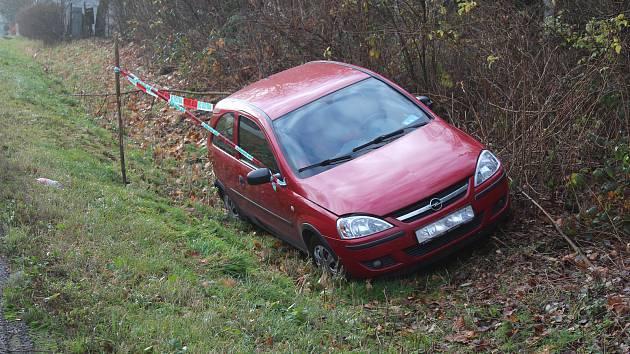 Ranní nehoda automobilu ve Stříteži u Kaplice.