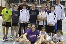 Účastníci tradičního zimního klubového kempu (na snímku) zažili na krumlovských kurtech plno zábavy, ale hlavně se zdokonalili ve svých badmintonových dovednostech.