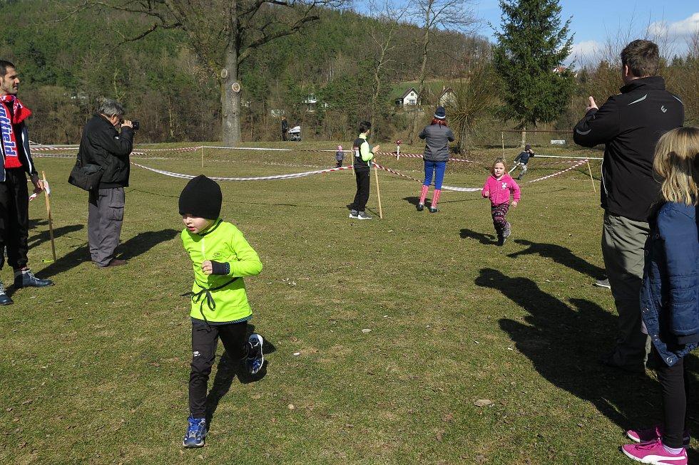 V běhu na běžkách bez sněhu a ve střelbě ze vzduchovky se utkali v Chlumu u Křemže závodníci všeho věku.